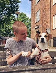 Sara Persson och hunden Nova